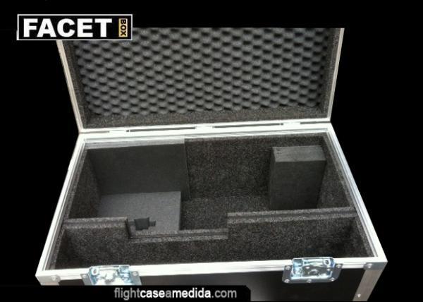 Flight case a medida cámara Panasonic con accesorios en astroboard